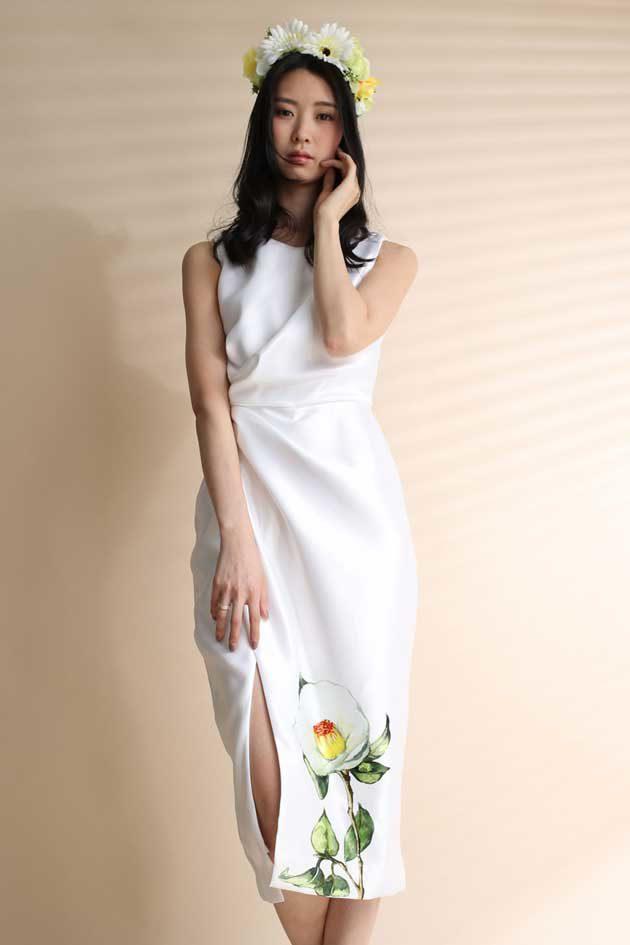 椿柄 ホワイトドレス